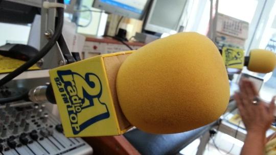 CURSO-REDES-SOCIALES-GRAN-CANARIA-RADIO-TOP-21-MICROFONO